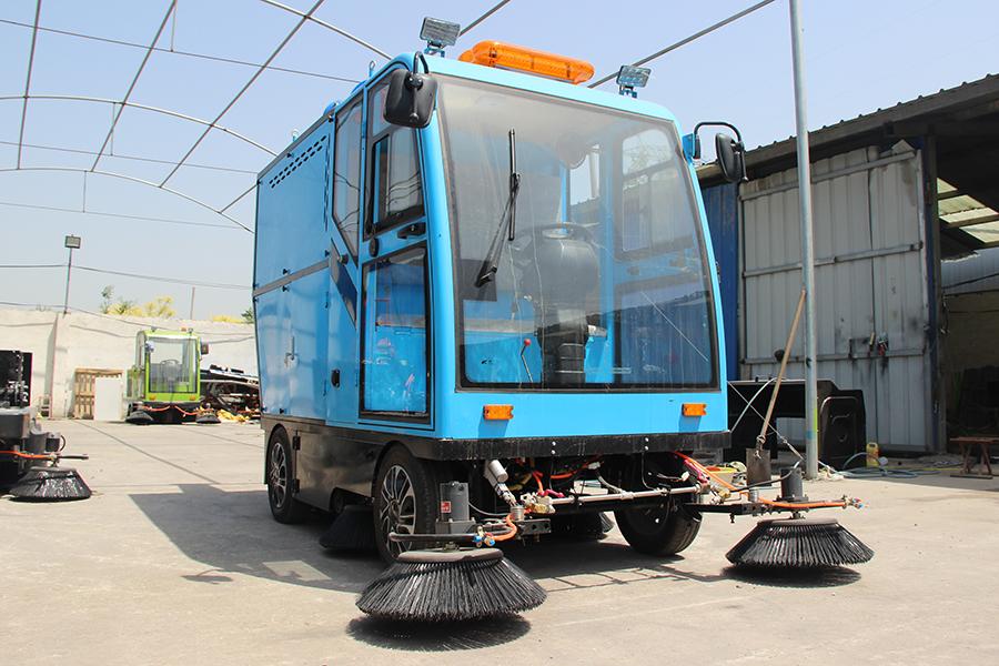 YX-700高压冲洗电动扫路机